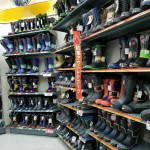 ワークマンで激安! 冬の釣りに向いている「防寒フリース長靴」vs 「ショート長靴」