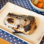 釣った魚に「お酢」や「レモン」を塗って焼く!? 焼き魚がグリルにくっつかない方法