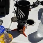釣船で使っても大丈夫?100秒でお湯が沸く話題の「ジェットボイル」を船上で試してみた